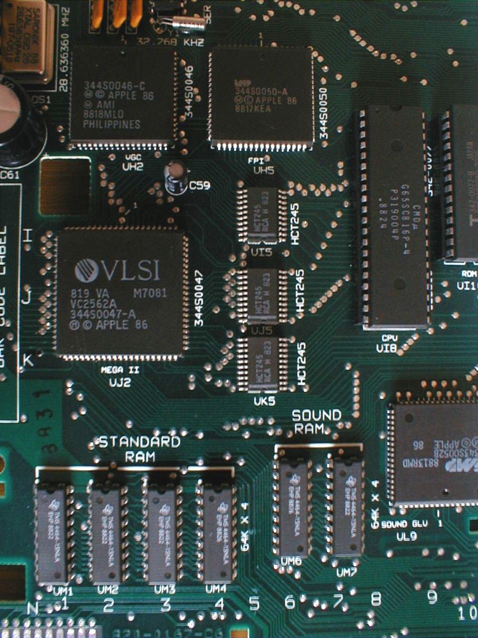 Chip Mega II sulla scheda madre del Apple IIGS